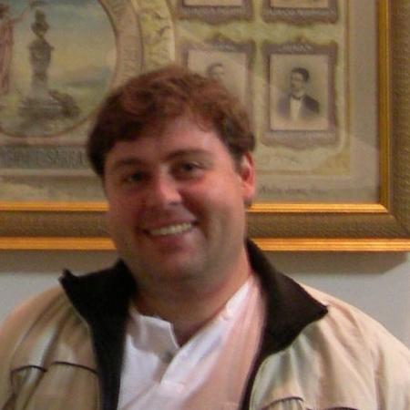Dr. Gustavo Bianco
